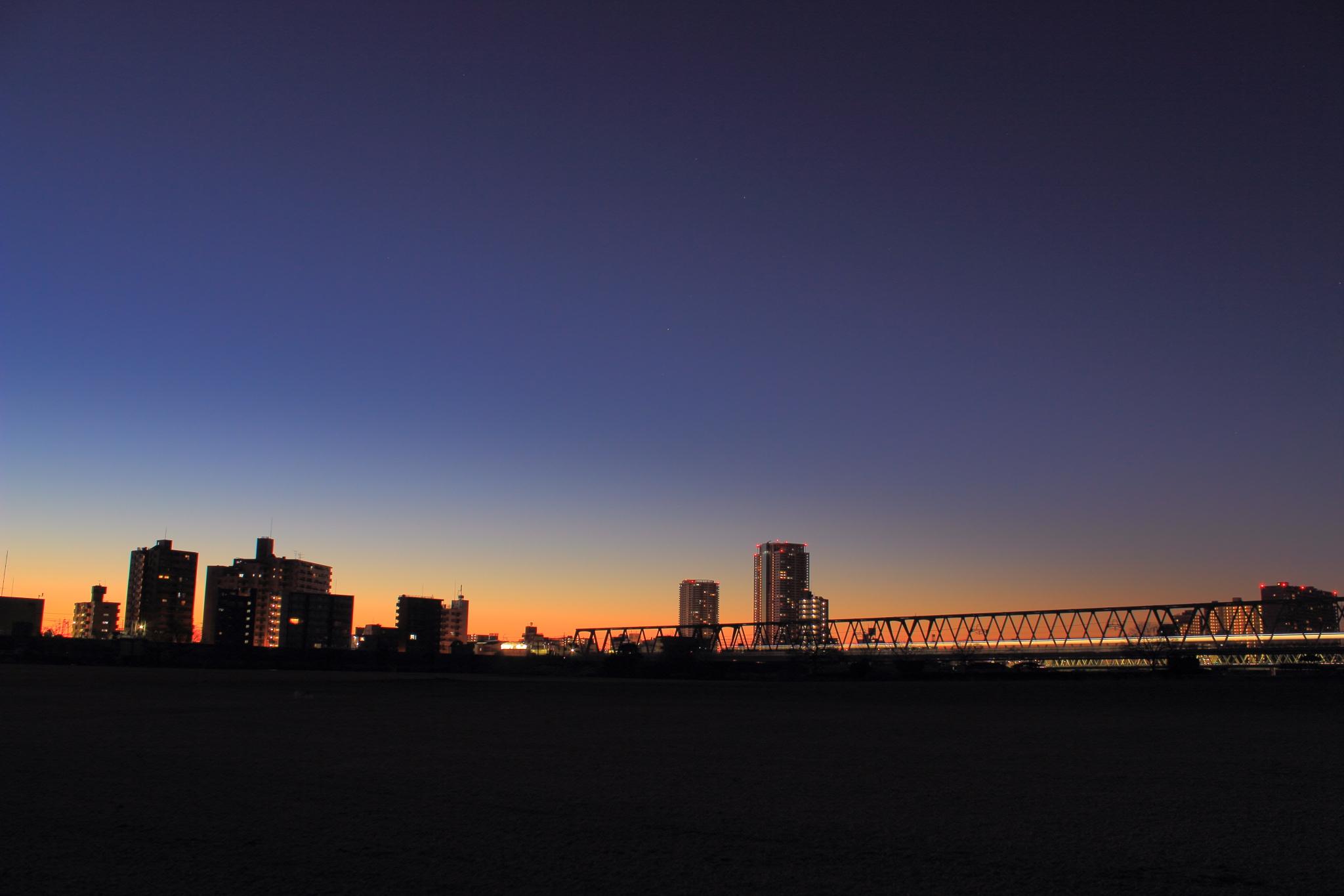 日の出前の江戸川から/まちメモ市川駅版/CC BY-NC 2.0